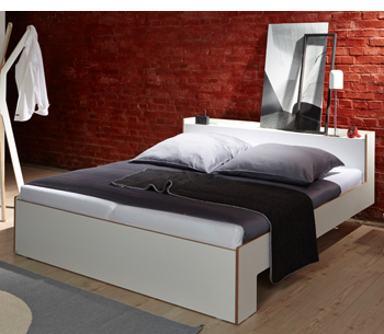 designbetten nur sch n oder auch praktisch. Black Bedroom Furniture Sets. Home Design Ideas